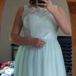 NWT Chi Chi London Lace Top Sleeveless Mint Gown
